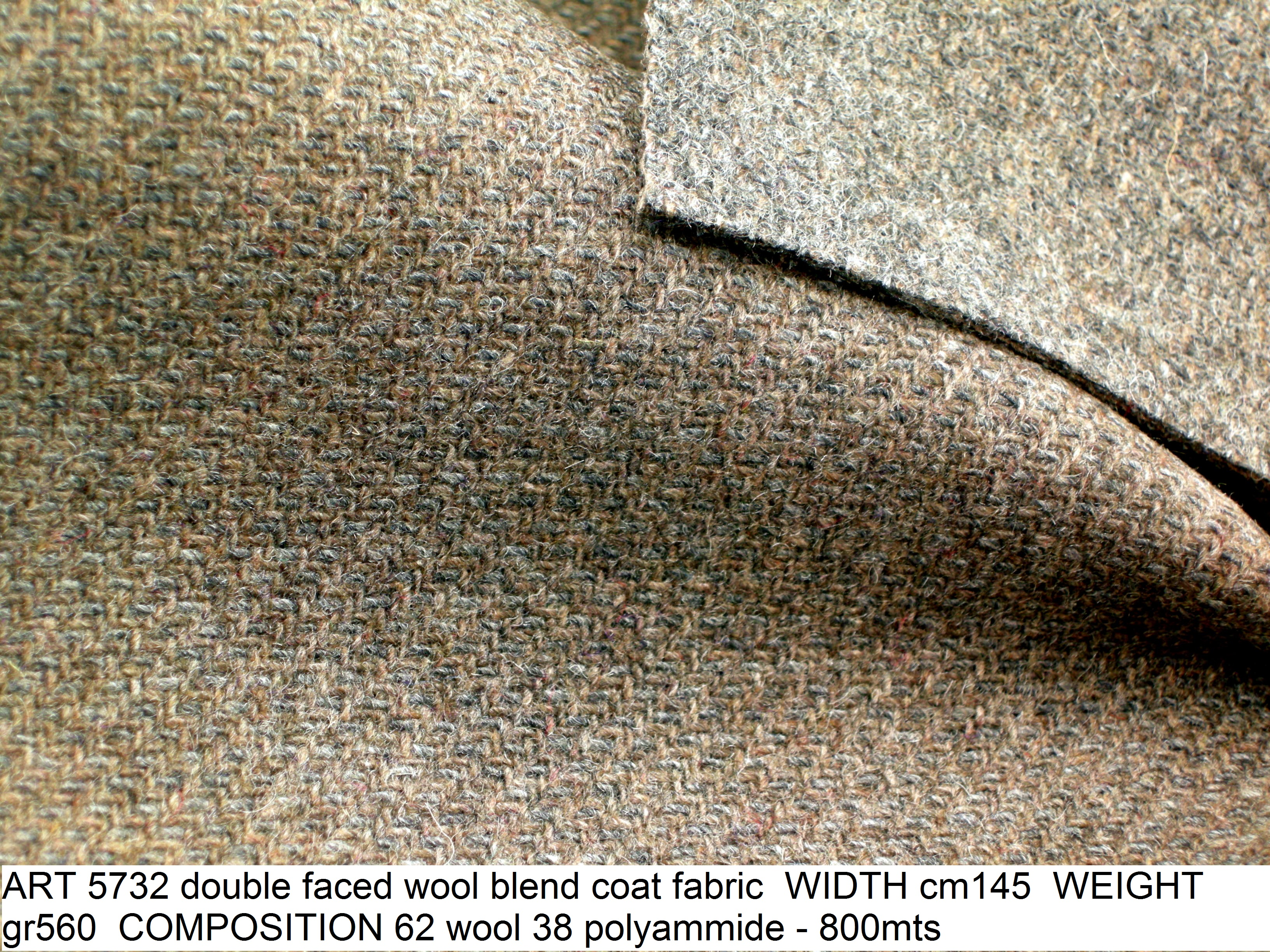 ART 5732 double faced wool blend coat fabric WIDTH cm145 WEIGHT gr560 COMPOSITION 62 wool 38 polyammide - 800mts