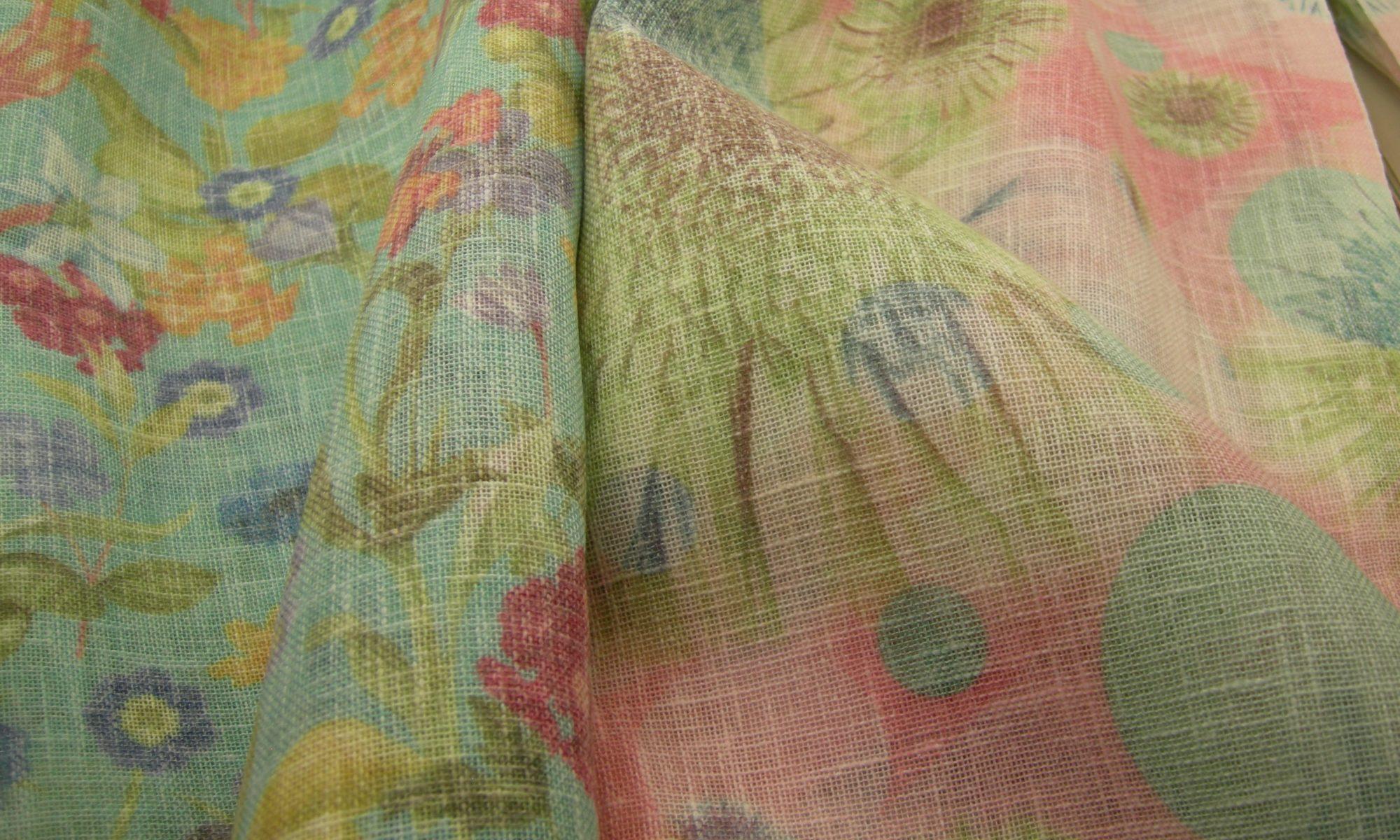 ART 7170 floral print cotton blend shantung slub shirt jacket fabric WIDTH cm150 WEIGHT gr150 COMPOSITION 60 polyester 40 cotton - pink and green 100mts each