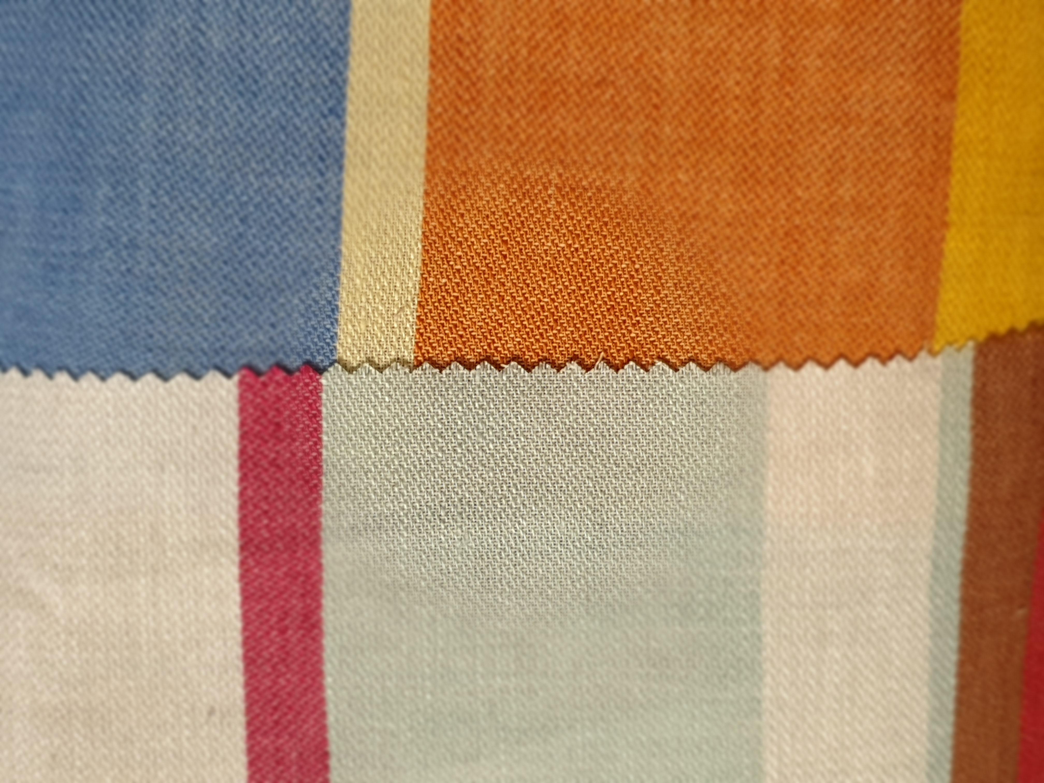 ART 7495 WIDTH cm145 WEIGHT gr220 - gr151 square meter - COMPOSITION 58 linen 42 cotton - blue 200mts – pink 450mts