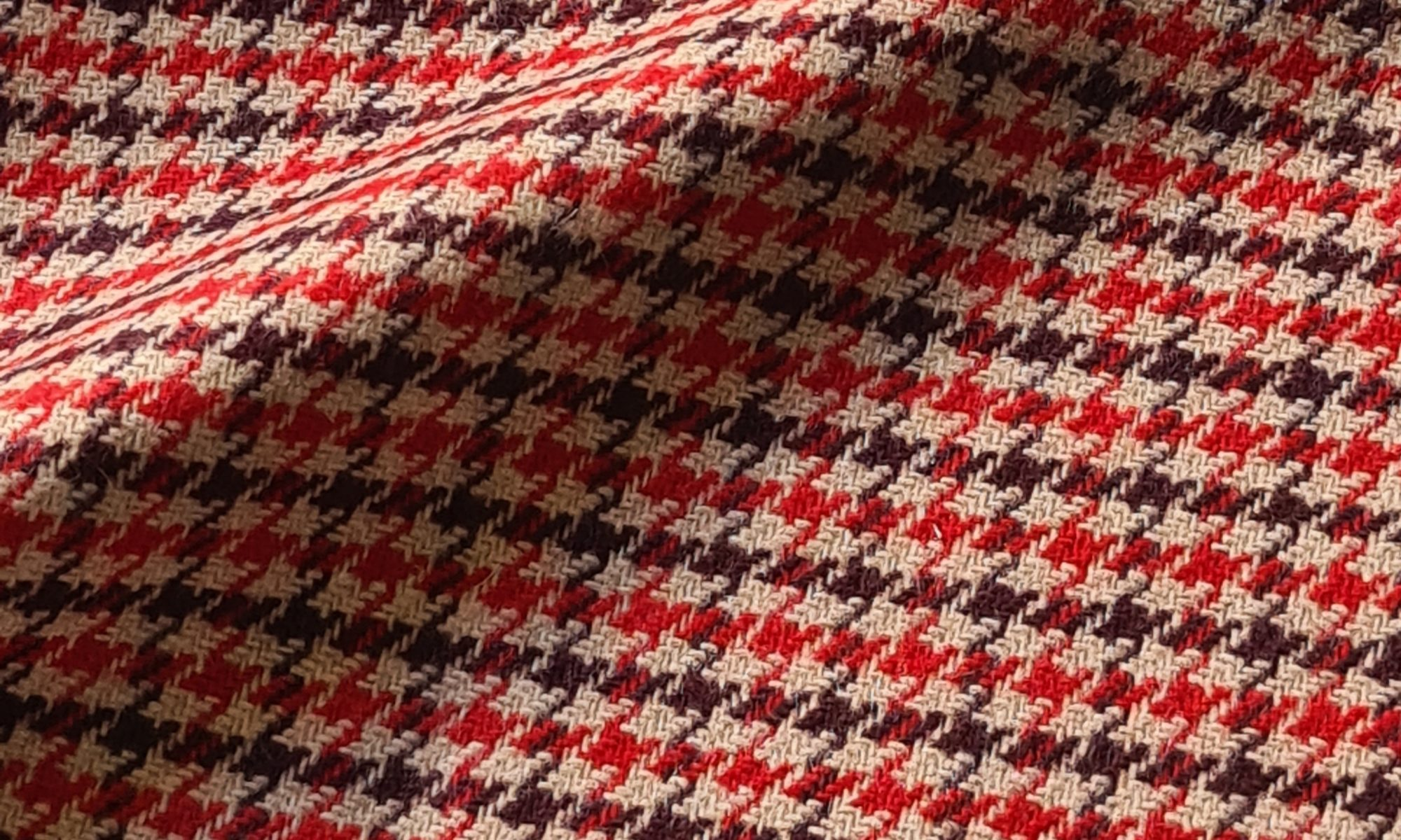 7625 glen check prince of wales red jacket WIDTH cm147 WEIGHT gr380 - gr258 square meter - COMPOSITION 20 Wool 50 Acrylic 25 Polyester - 7600mts