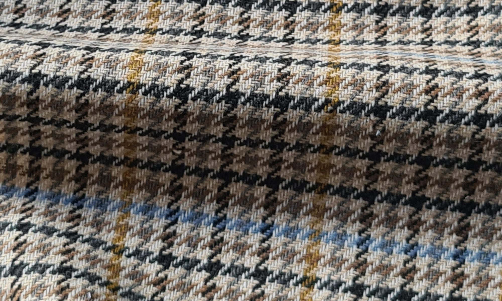 7664 glen check prince of wales brown jacket WIDTH cm147 WEIGHT gr380 - gr258 square meter - COMPOSITION 20 Wool 50 Acrylic 25 Polyester - 6200mts