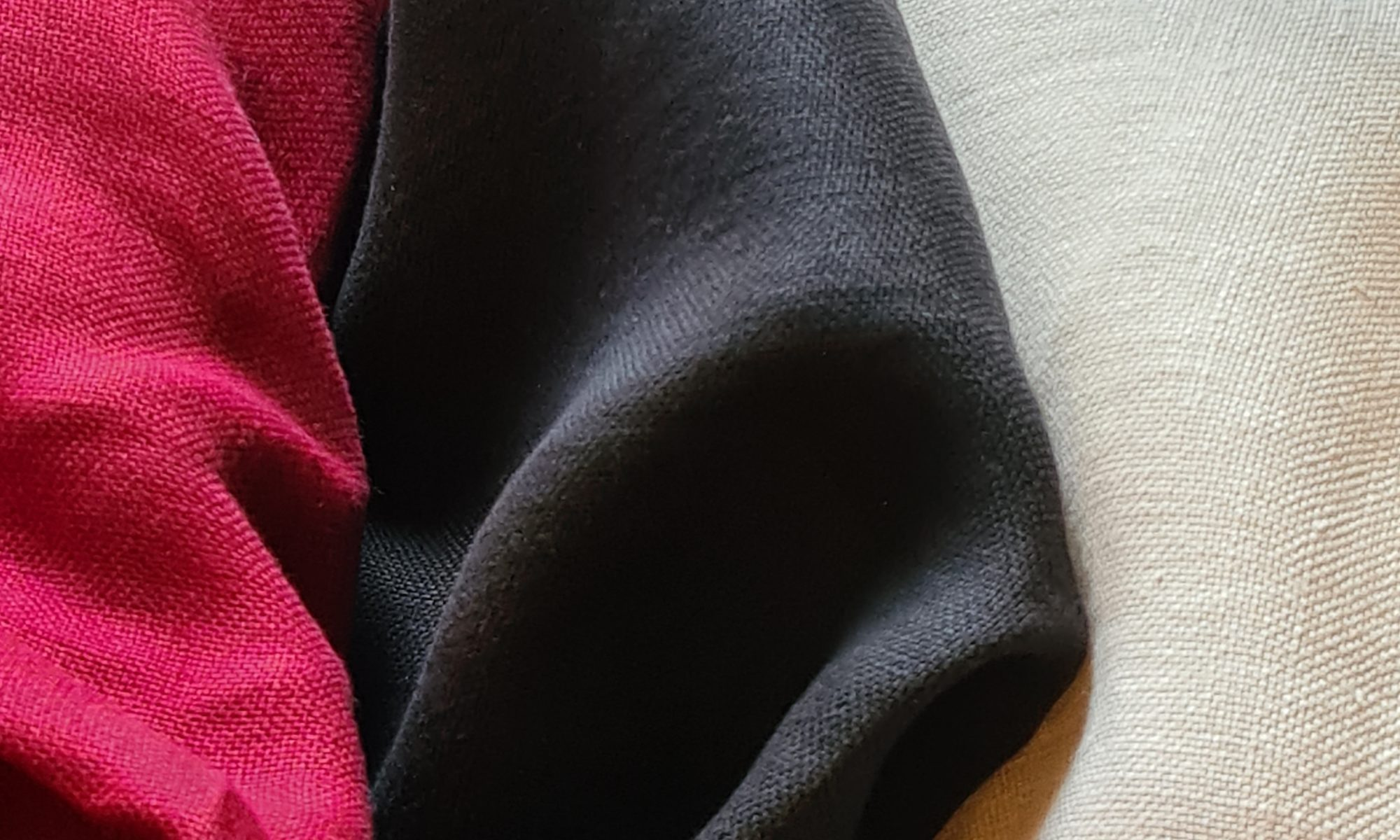 7698 pure linen piece dyed shirt pants jacket fabric WIDTH cm140 WEIGHT gr300 - gr214 square meter - COMPOSITION 100 linen - red 200mts – beige 600 mts – black 100mts